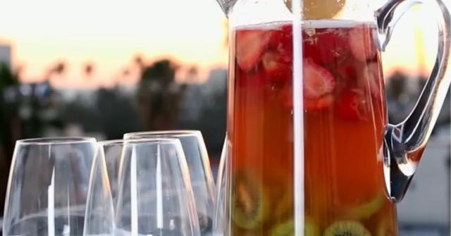 Sparkling Strawberry-Kiwi Sangria